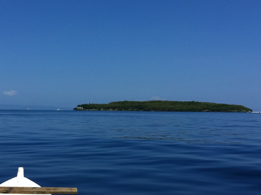 Approaching Sumilon Island from Oslob